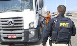 PRF diz que 33 pontos já foram liberados. Manifestação está em 15 estados brasileiros. (Foto: PRF)